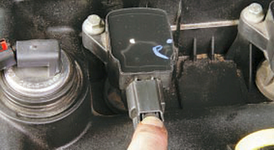 Снятие и установка катушек зажигания двигателей duratec-he и duratec-v15 Форд мондео 4 (2007-2014)