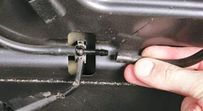 Снятие и установка омывателя стекла ветрового окна Форд мондео 4 (2007-2014)