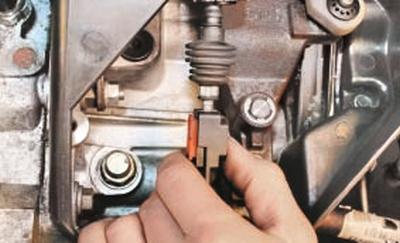 Регулировка привода управления коробкой передач Форд мондео 4 (2007-2014)