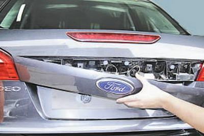 Снятие накладок крышки багажника Форд мондео 4 (2007-2014)
