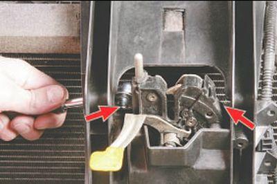 Снятие, установка и регулировка замка капота и его привода Форд мондео 4 (2007-2014)