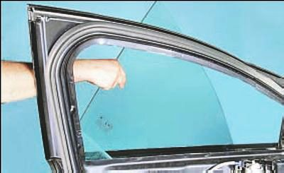Замена стекла передней двери Форд мондео 4 (2007-2014)