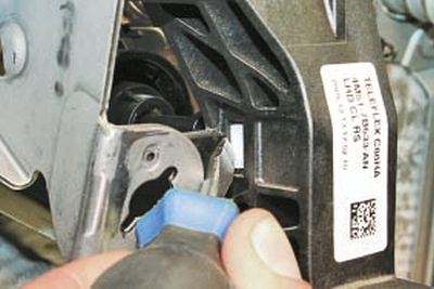 Снятие и установка педали сцепления Форд мондео 4 (2007-2014)