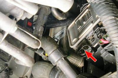 Замена радиатора системы охлаждения Форд мондео 4 (2007-2014)
