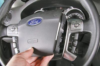 Снятие и установка подушки безопасности водителя Форд Мондео 4 (2007-2014)