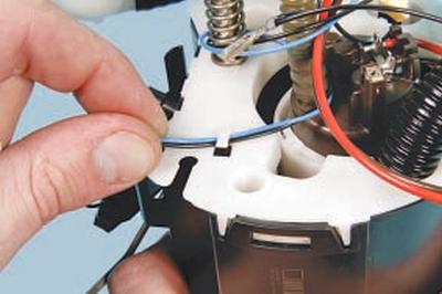 Снятие, ремонт и установка топливного модуля Форд мондео 4 (2007-2014)
