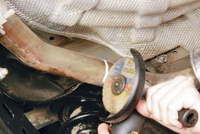 Снятие и установка основных и дополнительного глушителей Форд мондео 4 (2007-2014)