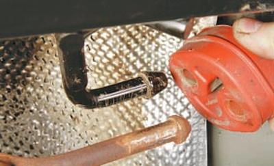Замена подушек подвески системы выпуска отработавших газов Форд мондео 4 (2007-2014)
