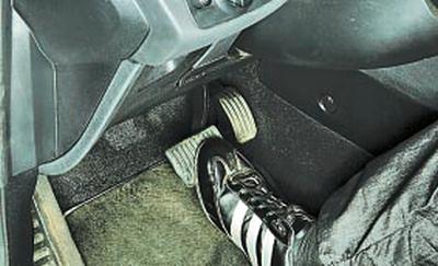 Проверка работы вакуумного усилителя тормозов Форд мондео 4 (2007-2014)