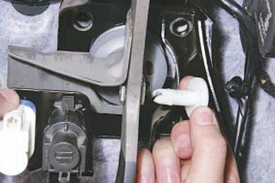 Снятие и установка педали тормоза Форд мондео 4 (2007-2014)