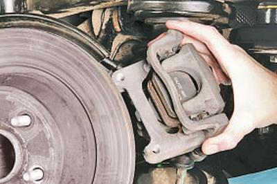 Замена суппорта тормозного механизма заднего колеса Форд мондео 4 (2007-2014)