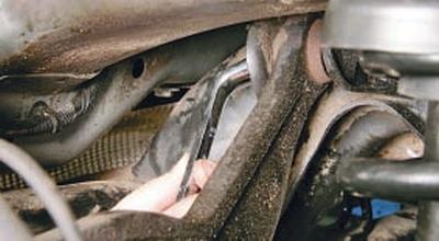 Замена верхнего рычага задней подвески Форд мондео 4 (2007-2014)